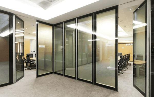 Các loại cửa đi nhôm kính văn phòng có thiết kế độc đáo nhất năm 2021